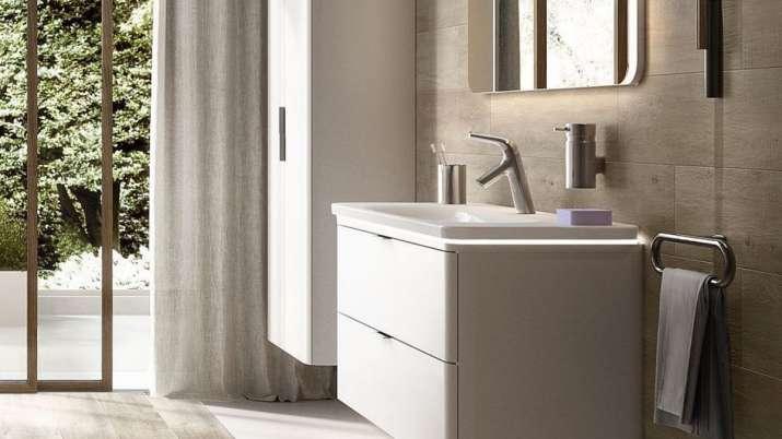 building rooms, bathrooms, wash basins, hotel