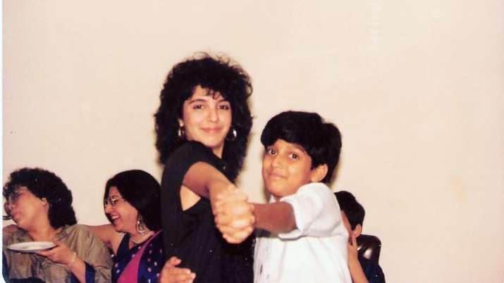 When Farah Khan did a retro dance step with cousin Farhan Akhtar| Pic