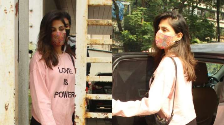 Rhea Chakraborty with brother Showik snapped in Bandra, are they house hunting?