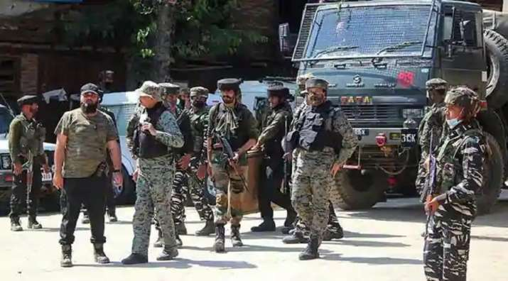 J&K: 4 army soldiers injured in grenade attack by militants in Kulgam