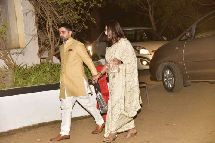 India Tv - Guests arrive at Varun & Natasha's big fat Punjabi wedding