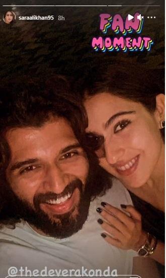 India Tv - Sara enjoys 'fangirl' moment with Vijay