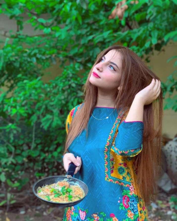 India Tv - Pawri Ho Rahi Hai: Who is Dananeer, girl in viral video?