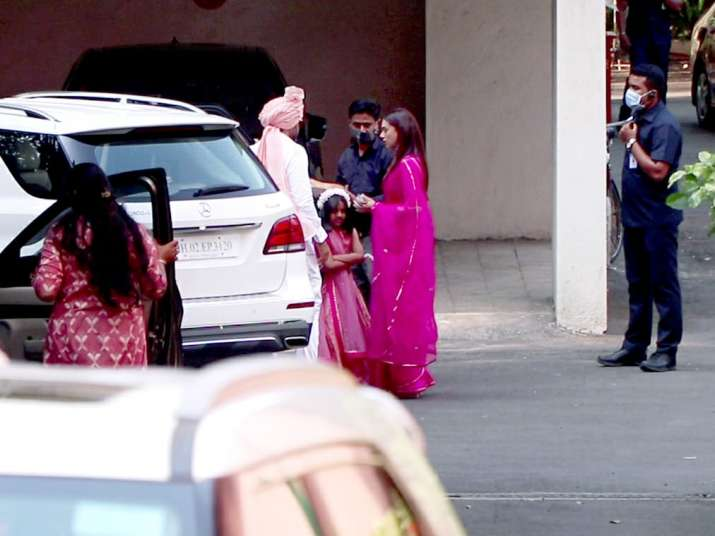 India Tv - Dia Mirza-Vaibhav Rekhi wedding festivities begin, actress flaunts mehendi; see pics
