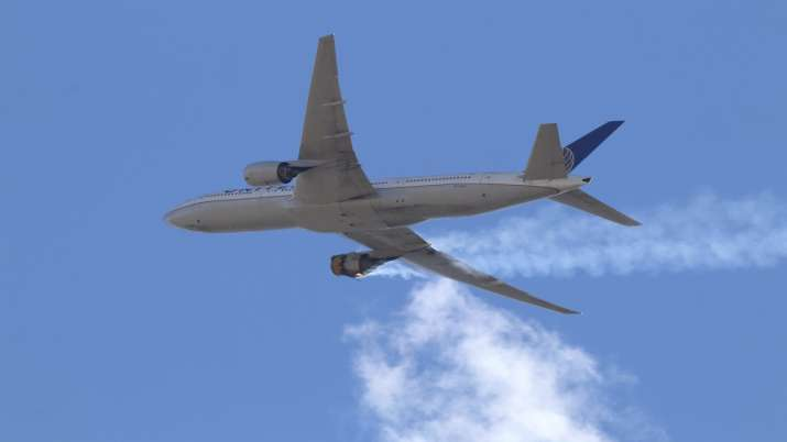 Boeing 777s, United Airlines, Plane debris in denver