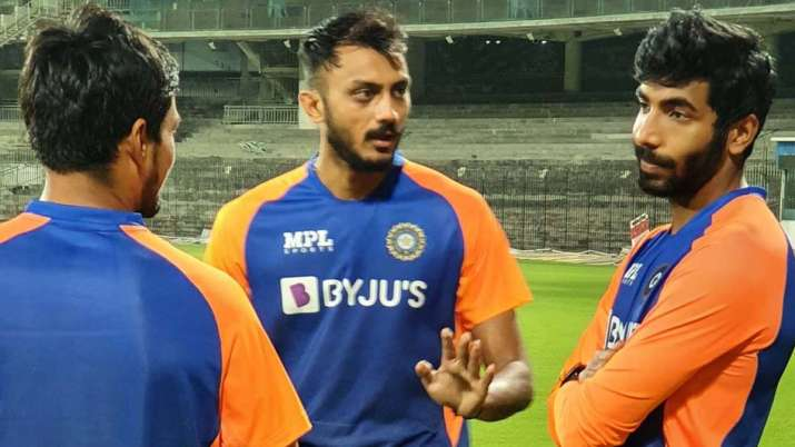 IND vs ENG: Axar Patel ruled out of 1st Test with knee problem | Cricket  News – India TV