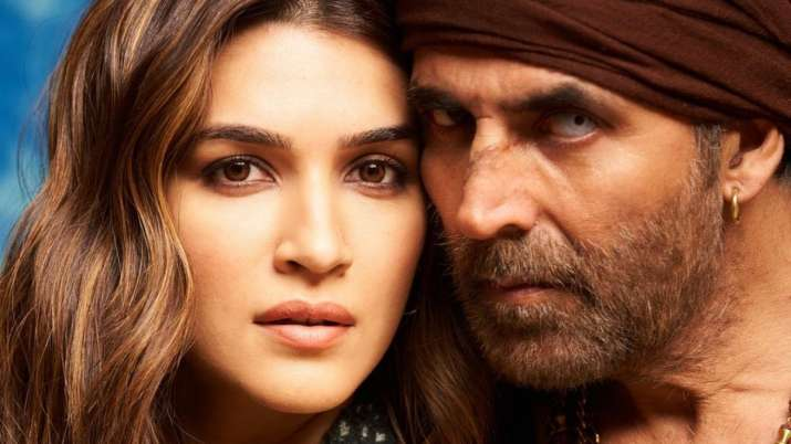 Kriti Sanon wraps schedule for 'Bachchan Pandey,' shares new look with Akshay Kumar