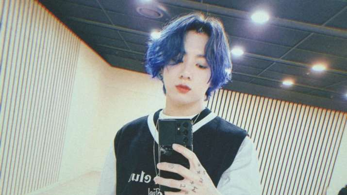 BTS singer Jungkook colours his hair blue, ARMY excited about his mixtape