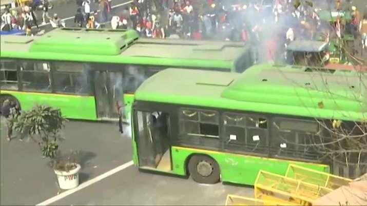 dtc bus, delhi police, arvind kejriwal