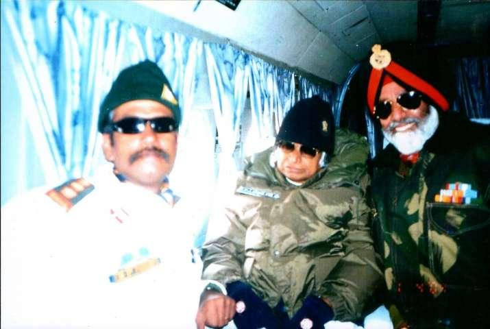 India Tv - Lt Gen Devendra Pratap Pandey with Former President APJ Abdul Kalam years ago.