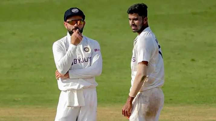 Washington Sundar and Virat Kohli