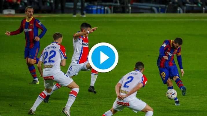 Watch Lionel Messi Scores 25 Yard Golazo In Barcelona S 5 1 Rout Over Alaves Football News India Tv