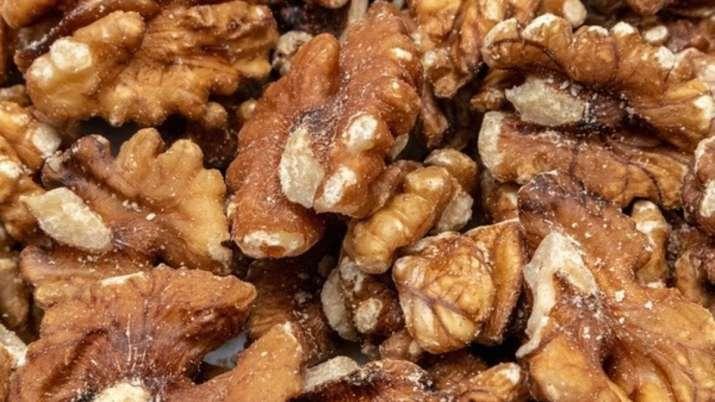 walnuts, benefits of walnuts, walnuts negative results, walnuts for brain, dry fruits, when to eat w