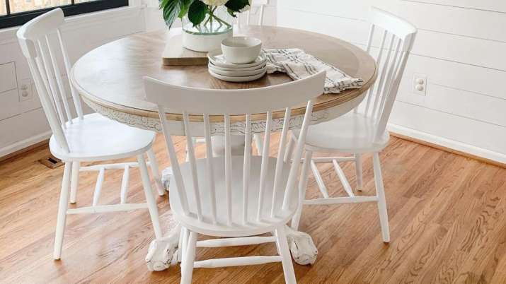 Vastu Tips: Keep wooden flooring in dining area to maintain good health of the family