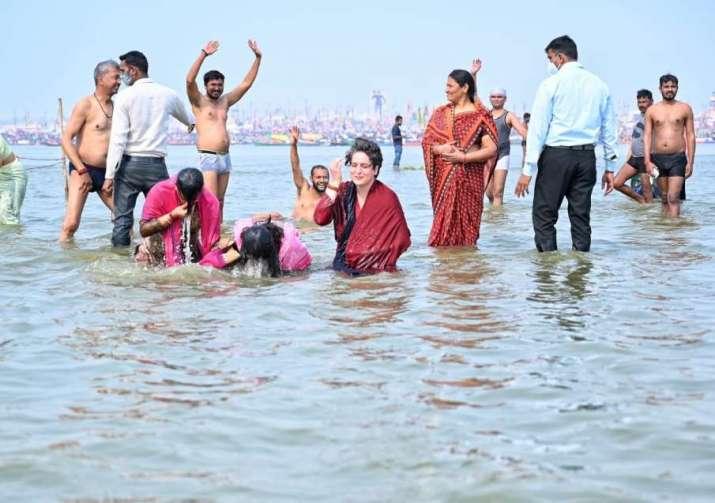 mauni amavasya, mauni amavasya date time, priyanka gandhi sangam photos, priyanka gandhi vadra praya
