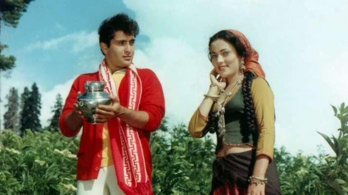 Remember Rajiv Kapoor's Ram Teri Ganga Maili co-actor Mandakini? Here's what she has been upto