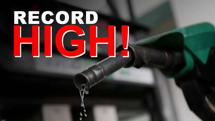 Petrol price inches closer to Rs 90 in Delhi