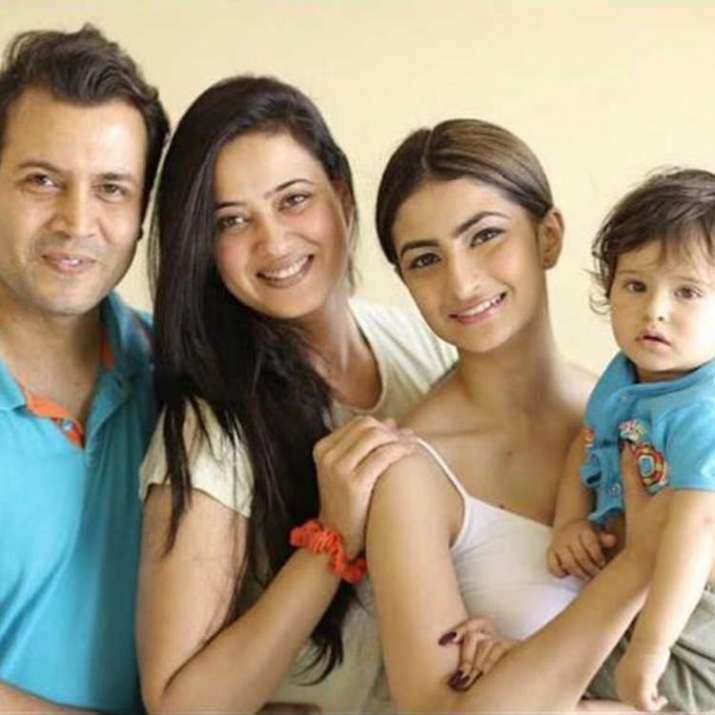 India Tv - Shweta Tiwari with husband Abhinav and kids