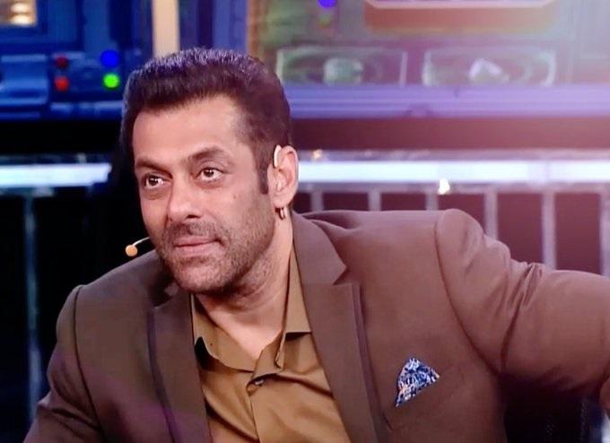 India Tv - Salman Khan's Dabangg Performance