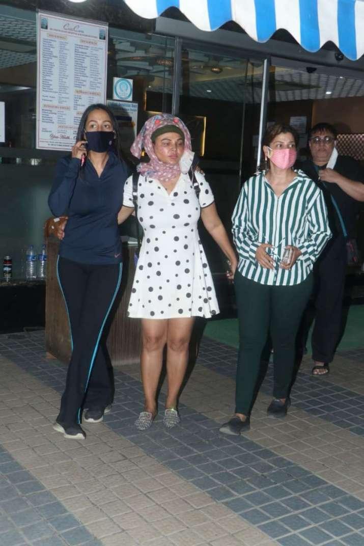 India Tv - Rakhi Sawant, Kashmera Shah and Sambhavna Seth were spotted as they stepped out of CritiCare Hospita
