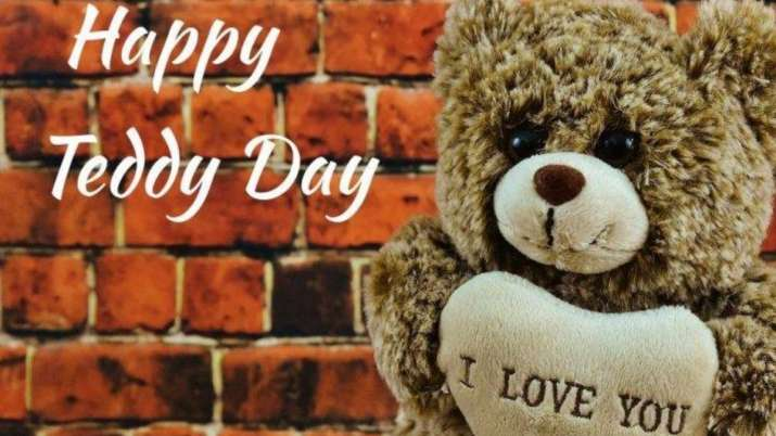 Happy Teddy Day 2021: Not fond of stuff toys? Here's what you can gift your girlfriend instead