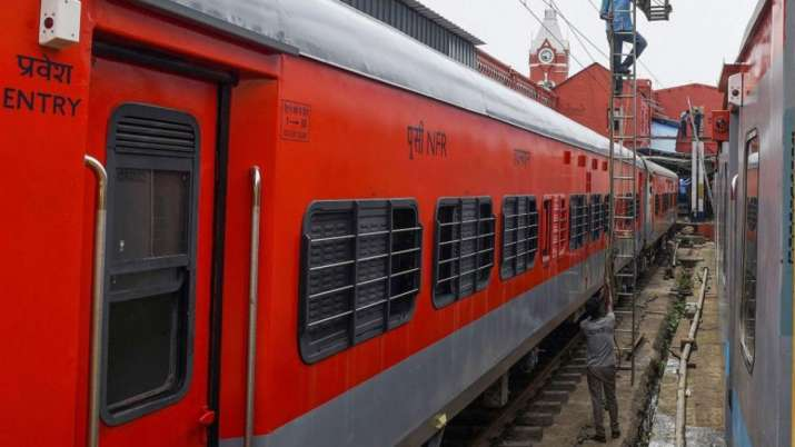 pune to howrah special train