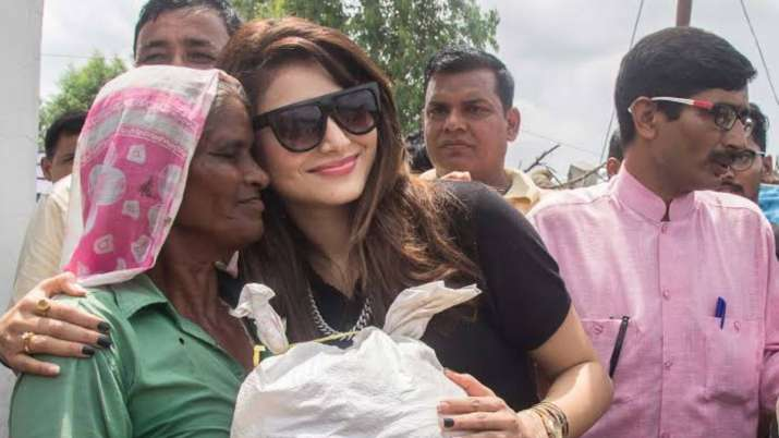 Birthday girl Urvashi Rautela worships and gets rituals done on her special day
