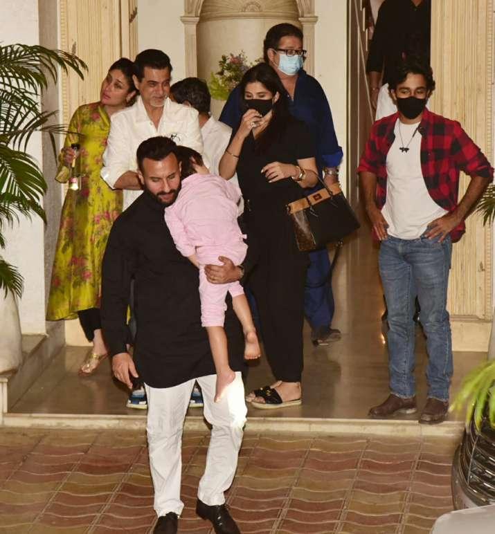 India Tv - Saif Ali Khan, Taimur & others outside the Kapoor mansion on Sunday.