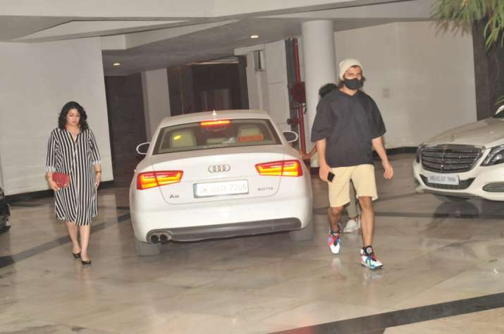 India Tv - Vijay Deverakonda reached Manish Malhotra's residence on Saturday