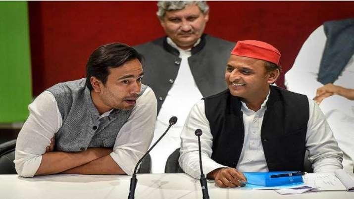 Samajwadi Party President Akhilesh Yadav and RLD Vice President Jayant Chaudhary