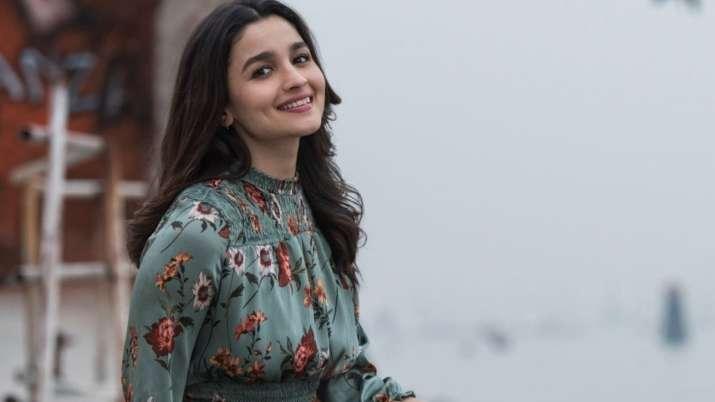 Happy Birthday Alia Bhatt: Beau Ranbir Kapoor's sister Riddhima, Priyanka Chopra, fans & others pour