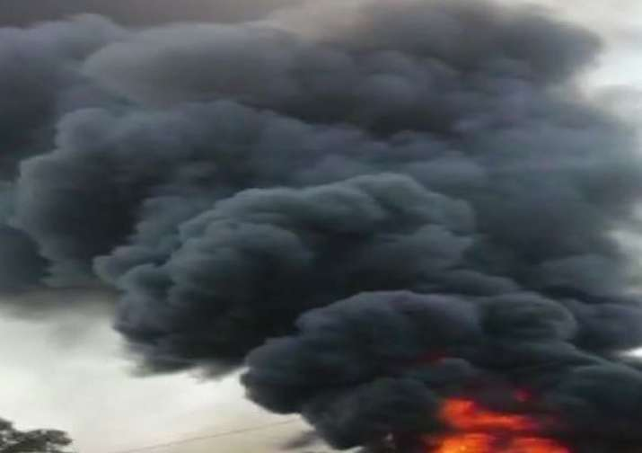 Massive fire breaks out at a godown in Pune's Bibvewadi,
