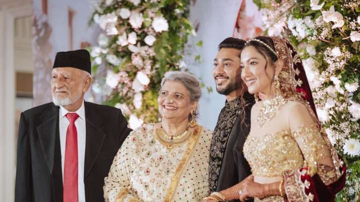 Gauahar Khan's father dies, TV celebs and fans pay condolence |  Tv News – India TV