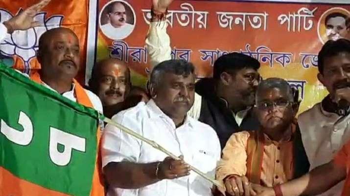 Another TMC MLA, Jitendra Tiwari joins BJP ahead of Bengal