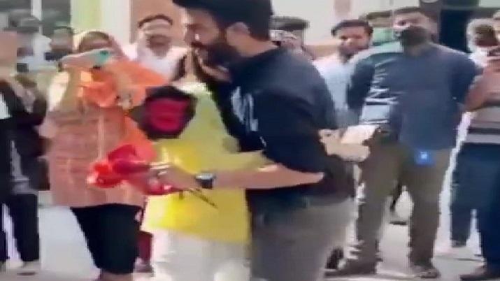 Pakistan, Lahore university proposal video, lahore university, lahore university students proposal