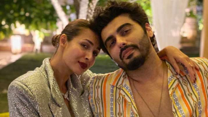 Holi 2021: What lovebirds Malaika Arora, Arjun Kapoor's healthy celebration looked like