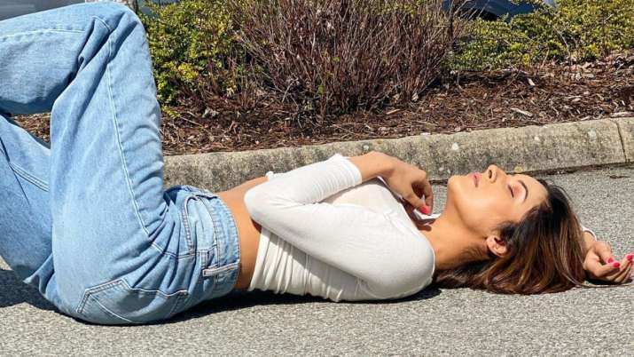 PICS: When Shehnaaz Gill hit snooze mode on the road