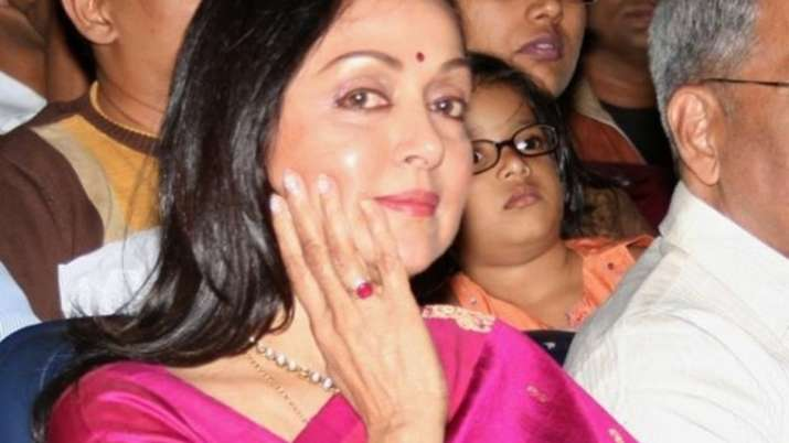 Hema Malini sings Shri Krishna bhajans for Holi