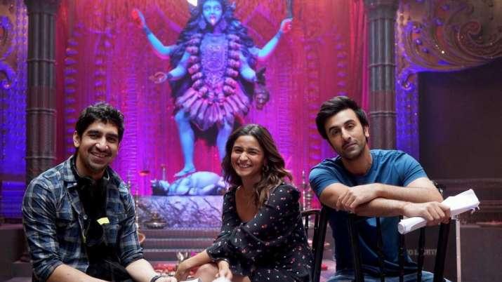 Alia Bhatt is all smiles with her 'magical boys' Ranbir