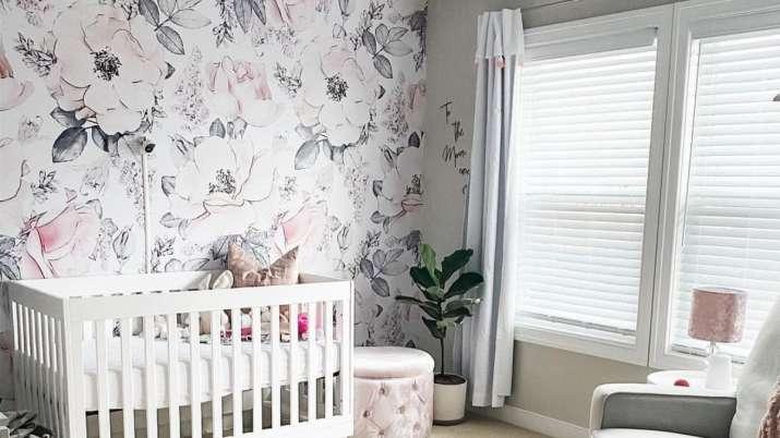 با چاپ گل ، اتاق خود را آماده تابستان کنید