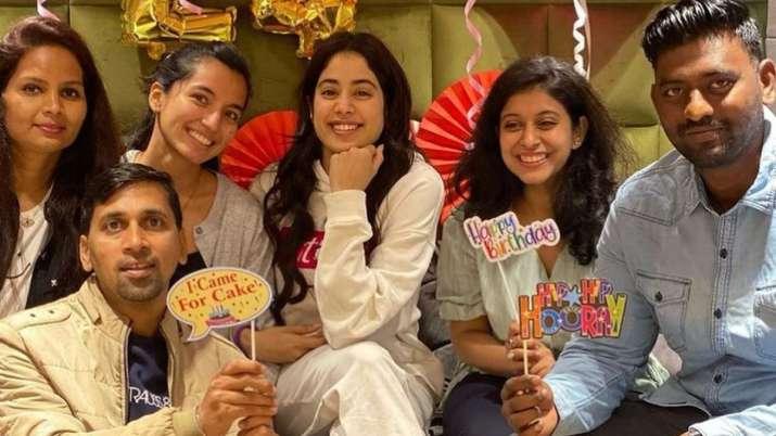 Janhvi Kapoor celebrates birthday on Good Luck Jerry sets, shares glimpse  of the cake | Celebrities News – India TV