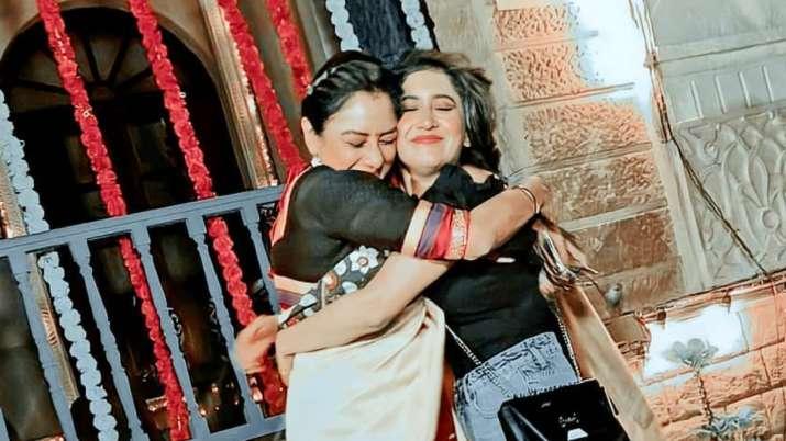 Yeh Rishta Kya Kehlata Hai's Shivangi Joshi, Anupamaa aka Rupali Ganguly are all love for each other