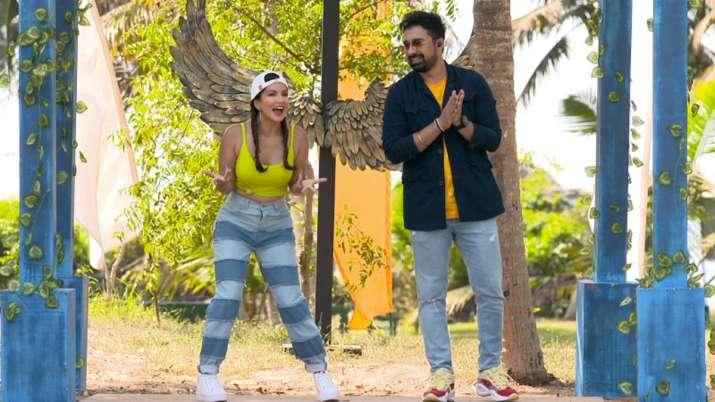 Splitsvilla X3: Competition heats up as fierce trios battle in Rannvijay Singha, Sunny Leone's datin