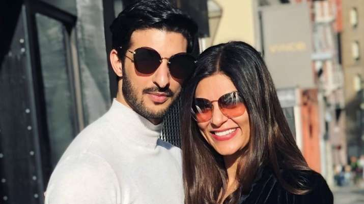 Shayari on lonliness to note on toxic relationship, what's up with Sushmita Sen & boyfriend Rohman S