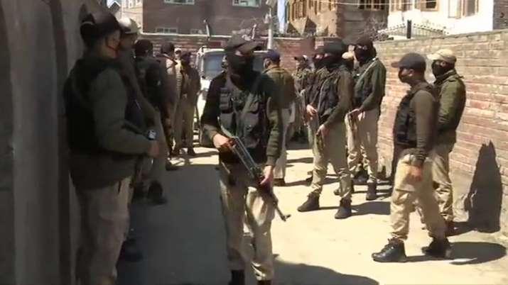 Nowgam, anwar khan attacked