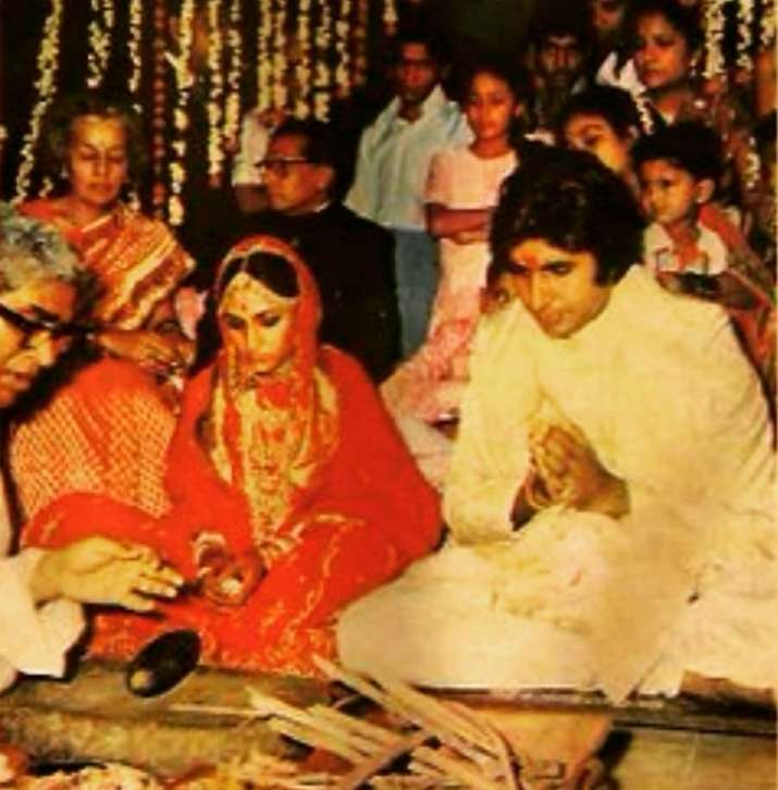India Tv - happy birthday jaya bachchan amitabh love story wedding pics