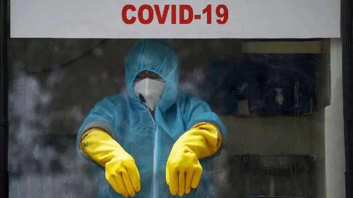 Hong Kong health adviser warns of 5th COVID-19 wave after