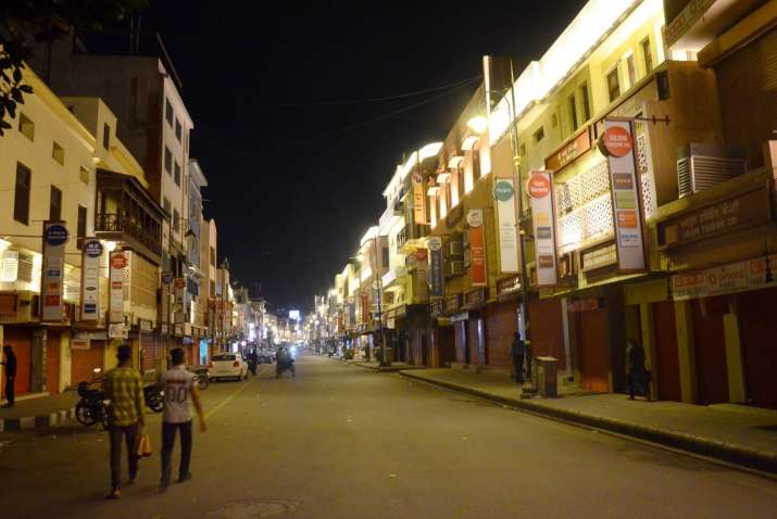 UP: Night curfew in Lucknow, Varanasi, Kanpur from today as