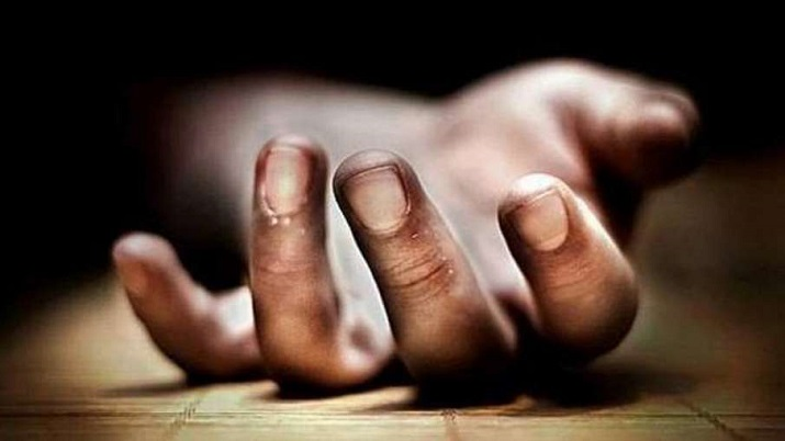 Scolded for playing games on mobile, Noida teen jumps to death