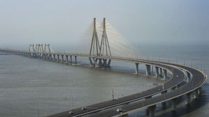 Bandra Worli Sea Link wears a deserted look as Maharashtra